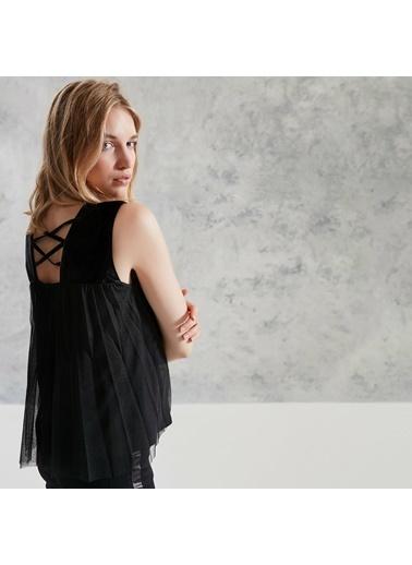 Yargıcı Kadın Pliseli Kolsuz Bluz 0KKGM6061X001 Siyah